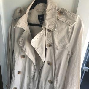 GAP medium beige trench coat